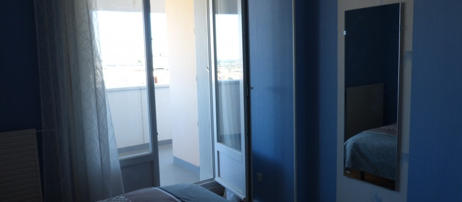 furnished-apartement-balcony-4db600b2b56b0b595449535d44c0520d